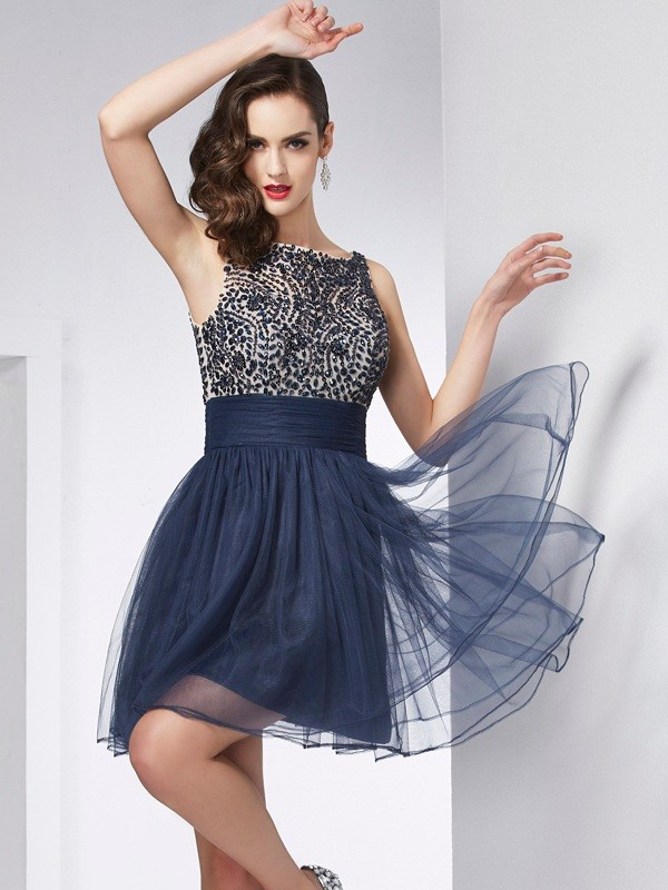 Sheath/Column Bateau Beading Sleeveless Short Tulle Homecoming Dresses