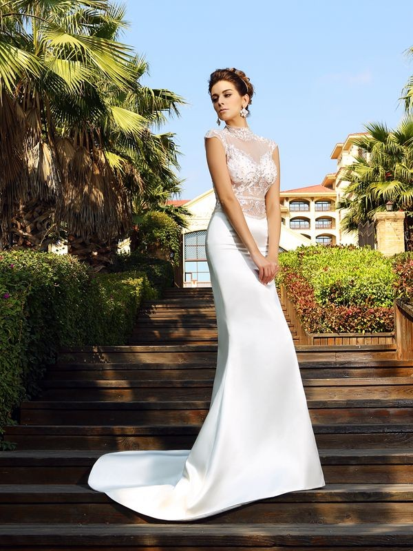 Trumpet/Mermaid Beading Sleeveless Long Satin Dresses