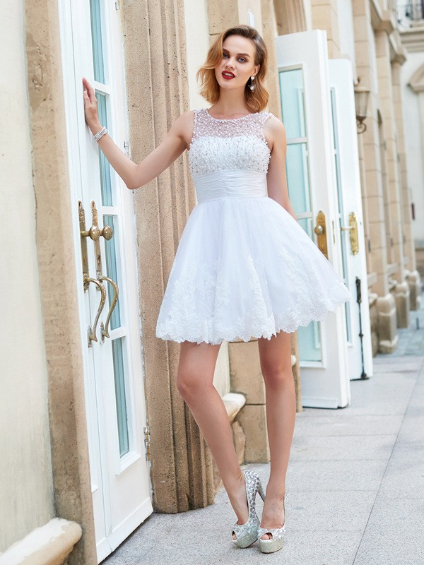 A-Line/Princess Jewel Pearls Short/Mini Lace Dress