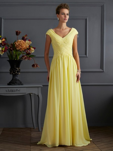 A-Line/Princess V-neck Short Sleeves Pleats Dress with Long Chiffon