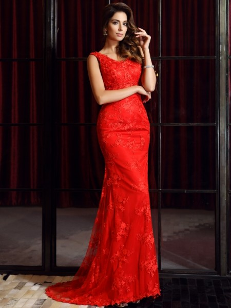 Trumpet/Mermaid V-neck Applique Long Lace Dress