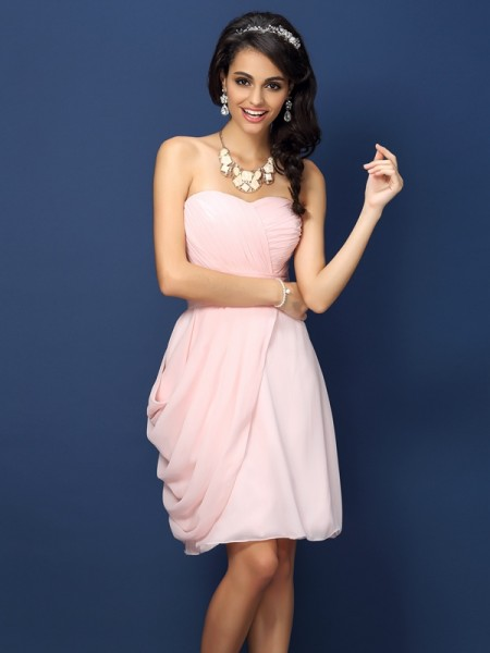 Sheath/Column Sweetheart Pleats Short Chiffon Bridesmaid Dress