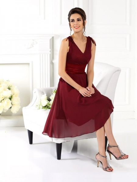 A-Line/Princess V-neck Short Chiffon Bridesmaid Dress