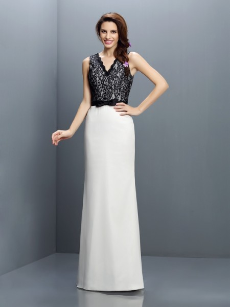 Sheath/Column V-neck Lace Bridesmaid Dress with Long Chiffon