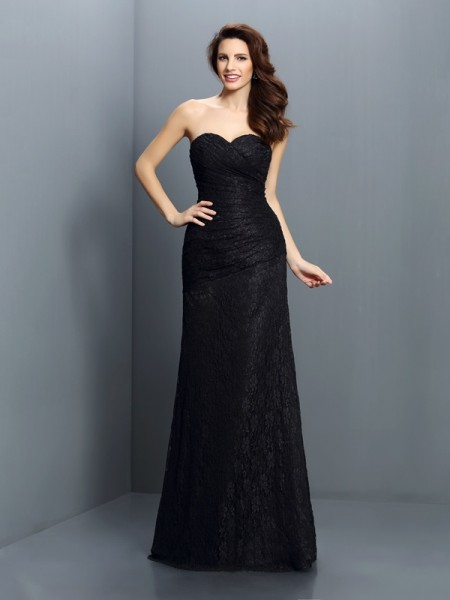 A-Line/Princess Sweetheart Lace Long Satin Bridesmaid Dress