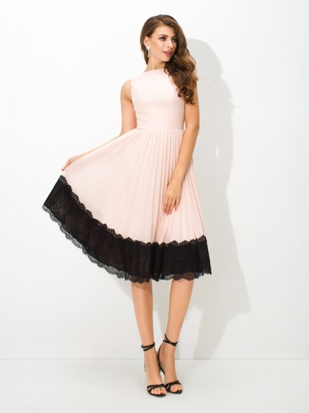 A-Line/Princess High Neck Lace Short Chiffon Cocktail Dress