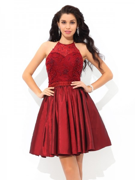 A-Line/Princess Halter Beading Short Taffeta Cocktail Dress