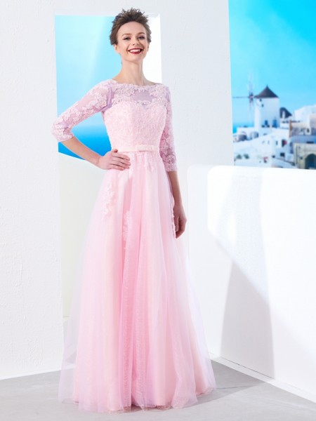 A-Line/Princess Bateau 1/2 Sleeves Floor-Length Applique Tulle Dress