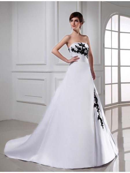 A-Line/Princess Strapless Long Satin Wedding Dress