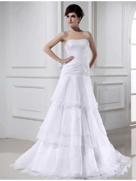A-Line/Princess Organza Strapless Long Wedding Dress