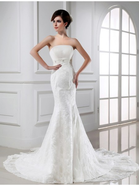 Trumpet/Mermaid Strapless Lace Tulle Wedding Dress