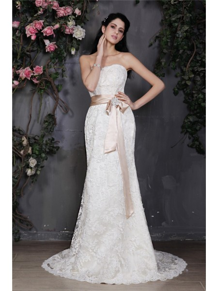 Sheath/Column Strapless Sash Long Lace Wedding Dress