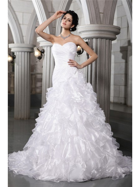 A-Line/Princess Sweetheart Pleats Long Organza Wedding Dress