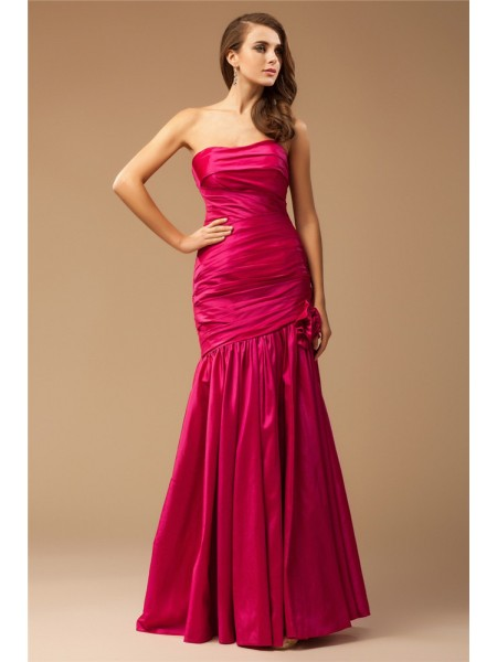 Trumpet/Mermaid Strapless Ruffles Long Taffeta Dress
