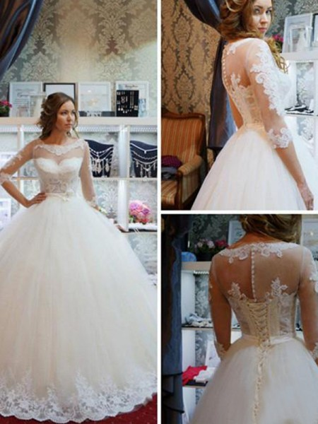 Ball Gown Tulle Scoop 1/2 Sleeves Floor-Length Wedding Dress