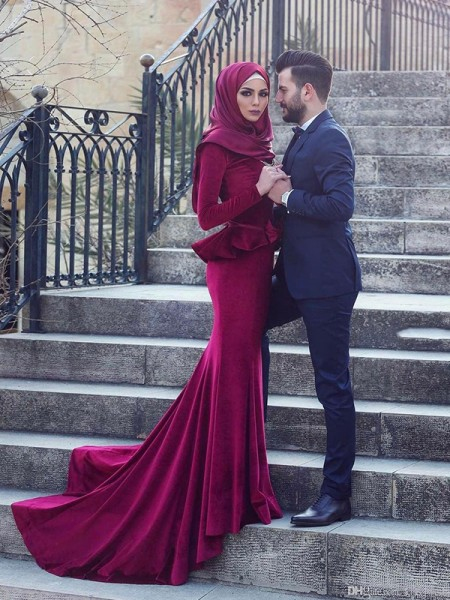 Trumpet/Mermaid Long Sleeves Sweep/Brush Train Scoop Ruffles Velvet Muslim Dresses